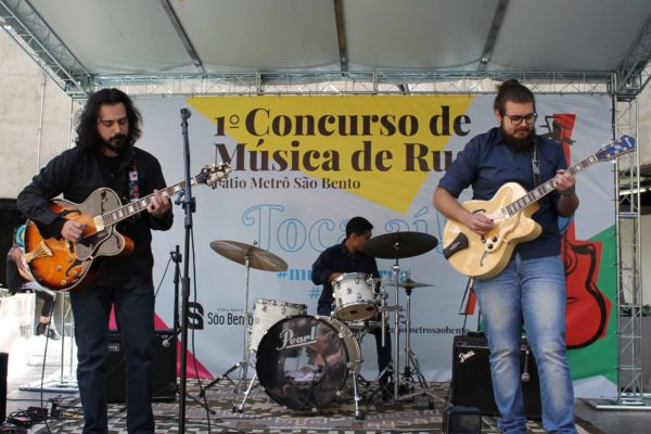 1° Concurso de Música de Rua Toca Aí do Pátio Metrô São Bento Terceira Eliminatória Jazz RivoTrio