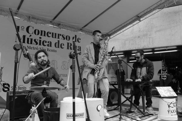1 Concurso de Música de Rua Toca Aí Pátio Metrô São Bento Kick Bucket