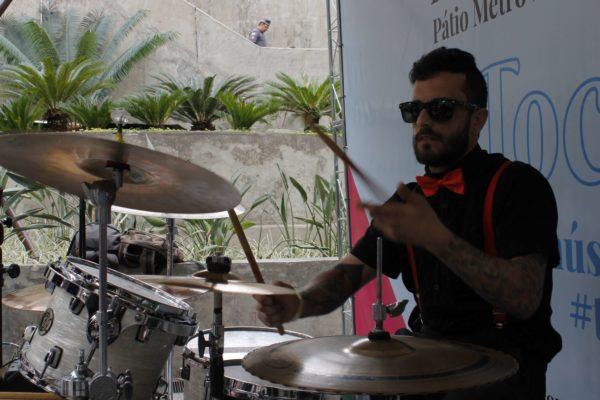 1 Concurso de Música de Rua Toca Aí Pátio Metrô São Bento Groove Camaleão