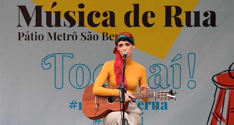 1 Concurso de Música de Rua Toca Aí do Pátio Metrô São Bento Lucia Zorzi